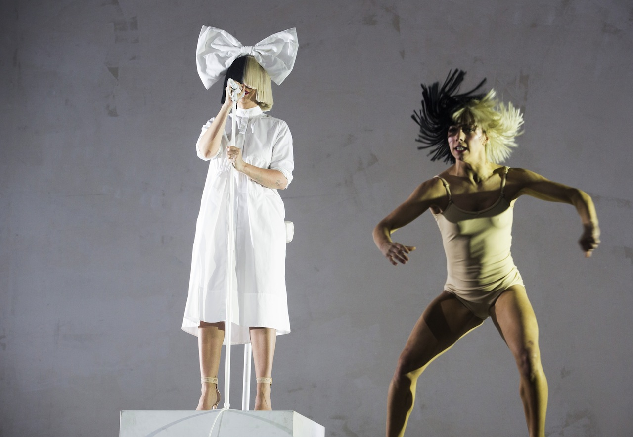 Coachella 2016 Sia Steals The Show And Some Hearts
