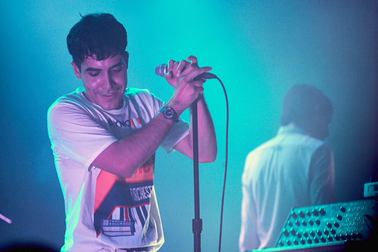 hindu singles in neon Neon indian lead singer and former dentonite alan palomo seemed genuinely surprised by the turn out at the band's concert thu.