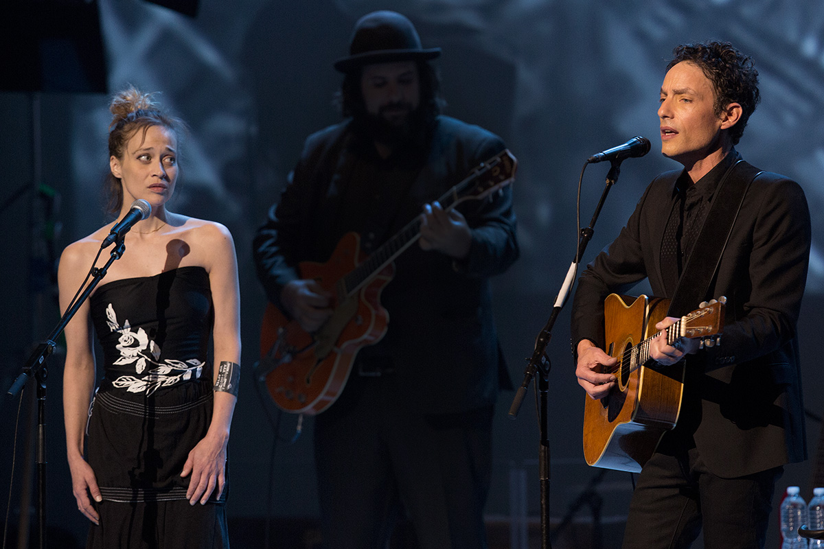 Echo in the Canyon, with Beck, Fiona Apple, Jakob Dylan ...